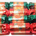 11565   Colorful festive Christmas table crackers