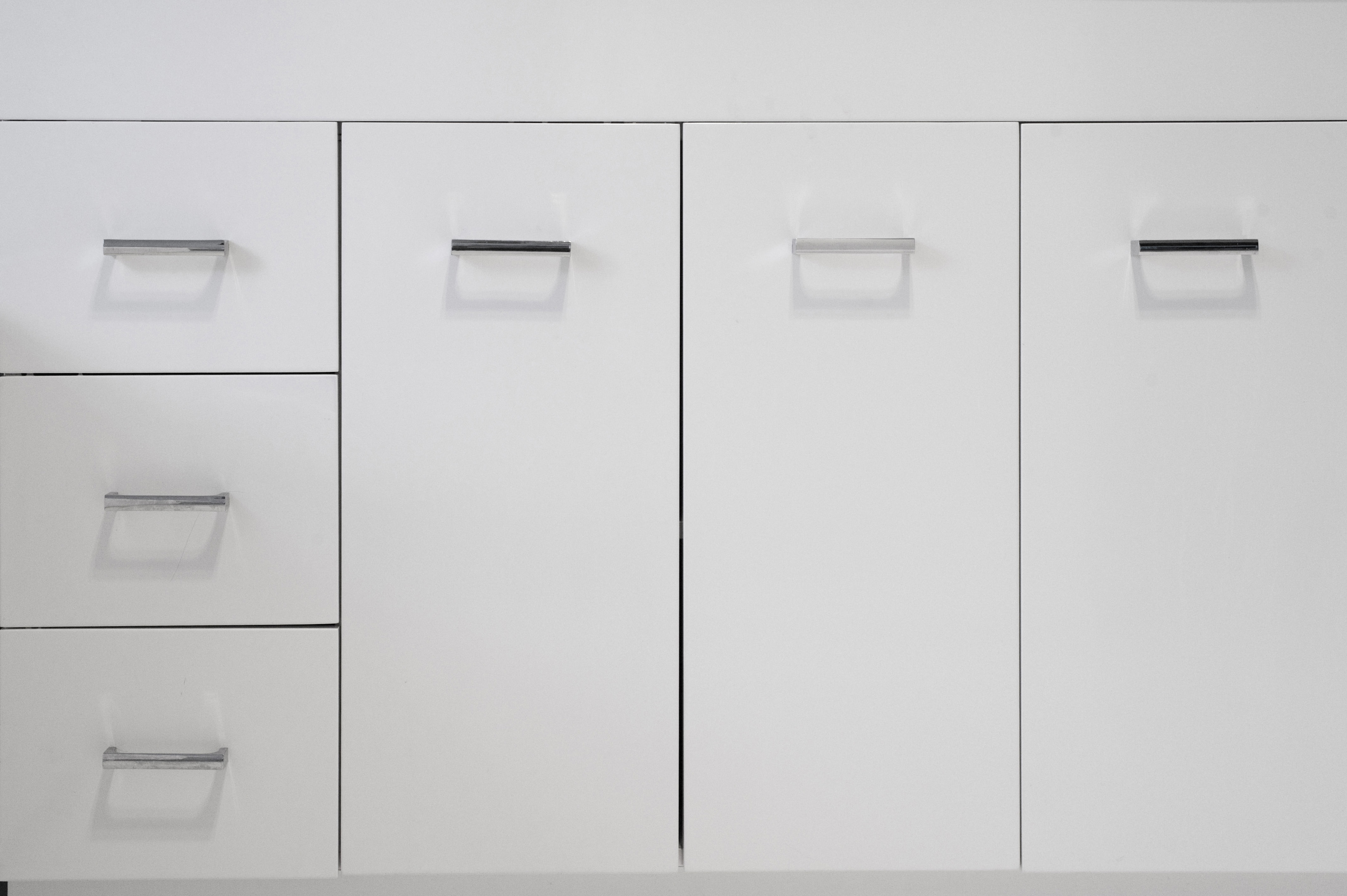 Free stock photo 8279 simple white kitchen cabinets for Basic white kitchen units