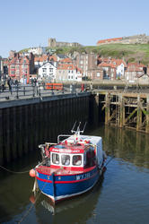 8065   Upper harbour at Whitby
