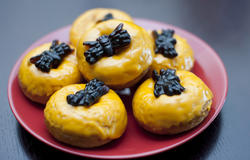 8543   Orange halloween party doughnut snacks