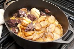 9956   Casserole with Lancashire Hot Pot