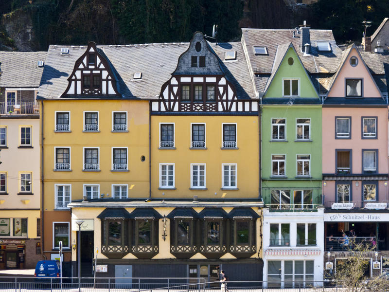 <p>Houses-on-the-Mosel.jpg&nbsp;</p>Colourful, attractive houses of various shapes and sizes line the Mosel river at Cochem.