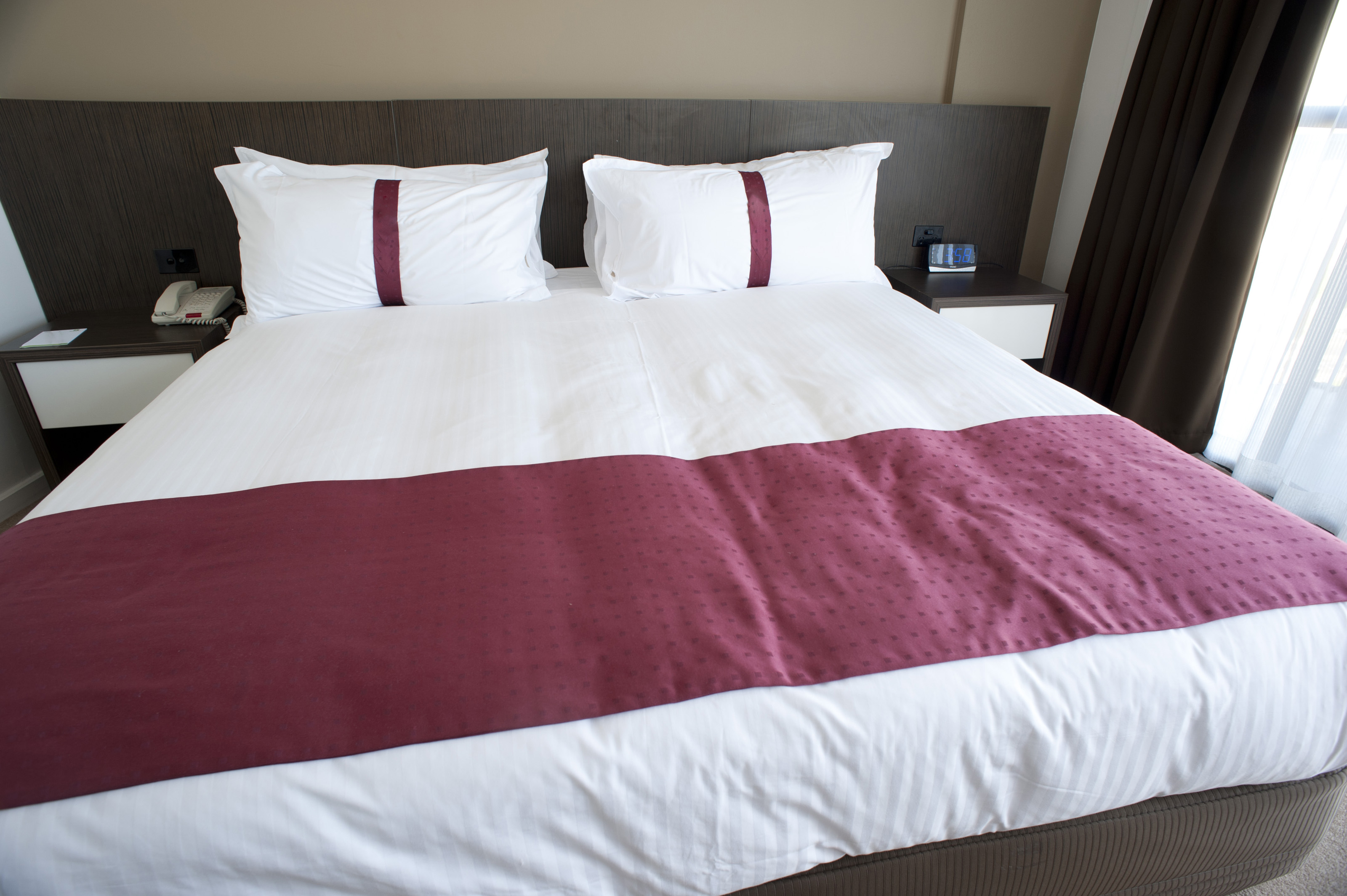 King Sized Bed And Bed Set