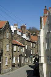 7960   Narrow street in Robin Hoods Bay