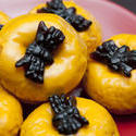 8545   Halloween doughnuts with spooky spiders