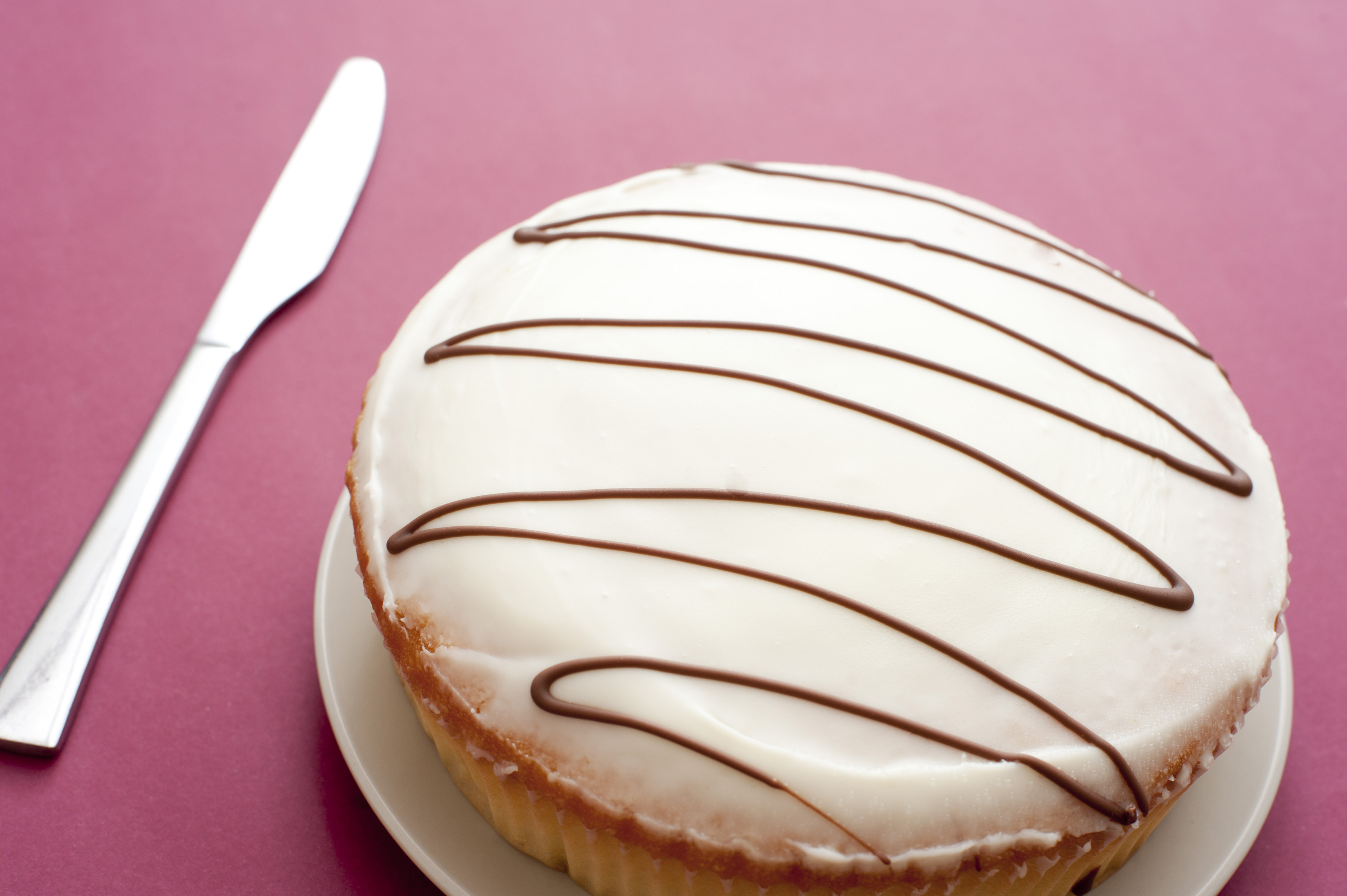 Plain Iced Cake To Decorate Yourself