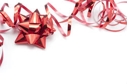 8671   Metallic red foil bow and ribbon