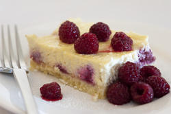 8466   Ricotta cheesecake with raspberries