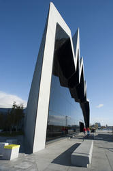 9975   Front facade of the Riverside Museum , Glasgow
