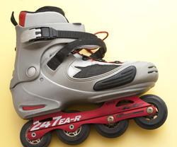 10996   Single roller blade or skate