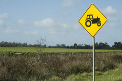 10782   Warning sign for agricultural vehicles