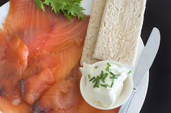 8514   Thinly sliced smoked salmon