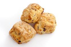 11805   Trio of fresh raisin scones