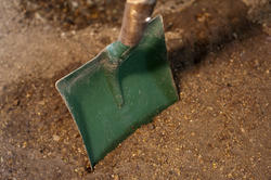 9863   Green garden shovel