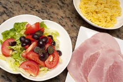 10494   Sliced cold ham and salad