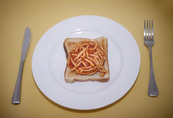 8520   Slice of toast and spaghetti