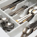 8216   Open cutlery drawer