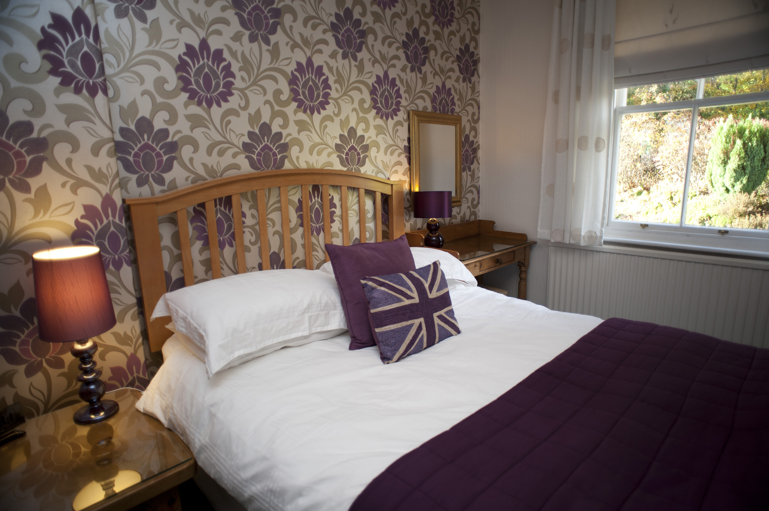 free stock photo 8939 themed british bedroom freeimageslive