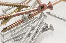 10186   Variety of screws in a haphazard pile