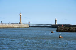 8081   Whitby harbour stone piers