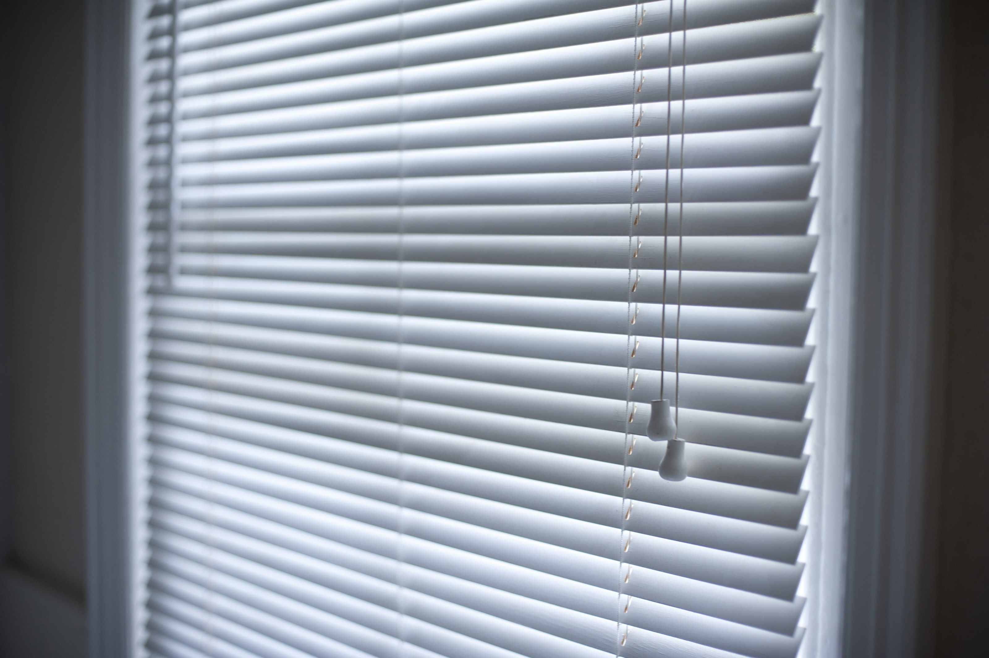Free Stock Photo 10648 Venetian Blinds Hanging In A Window