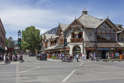 13204   downtown banff