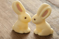 13448   Two Easter rabbits candies