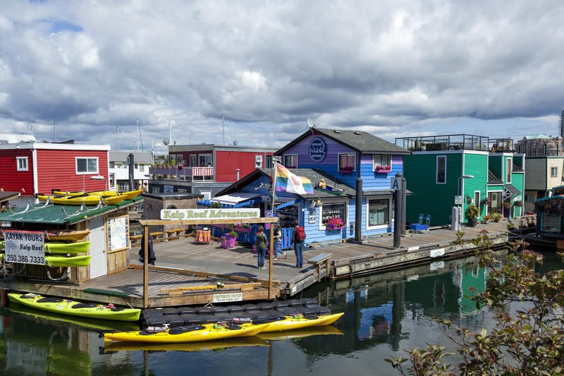 <p>Fisherman&#39;s Wharf in Vancouver Island - note the colourful&nbsp; &#39;Float Homes&#39; in the background</p>