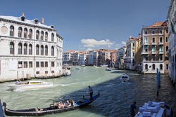13227   grand canal venice