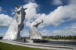 12853   Canal in front of the Kelpies statues