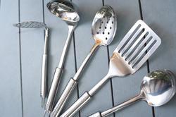 17156   Set of stainless steel kitchen utensils