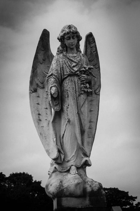 17042   Layton cemetery, Blackpool. UK