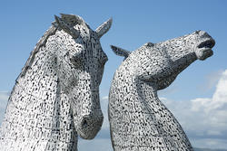 12816   Towering horse head sculptures