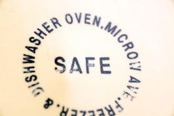17159   Dishwasher Safe label on Kitchenware