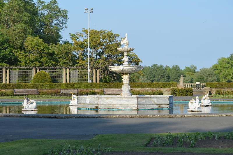 15575   Fountain at Stanley Park in Blackpool