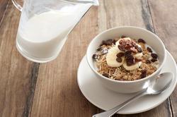 12274   Healthy breakfast muesli with fresh fruit