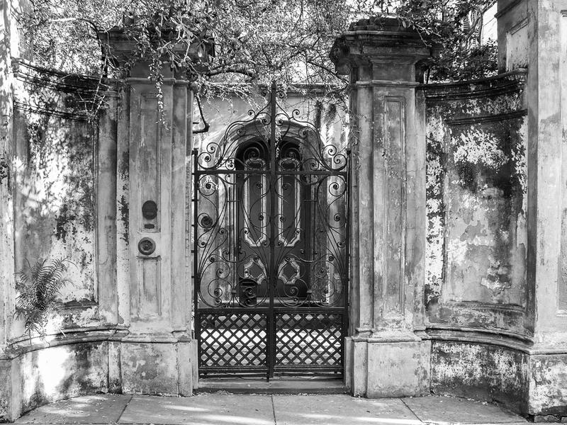 <p>Antique entrance to old Victorian home, Charlston, NC.&nbsp;</p>