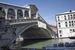 13228   rialto bridge