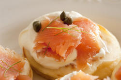 12368   creamcheese and salmon meat blini