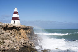 17011   Waves on the cliffs below the Robe Obelisk
