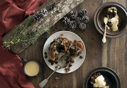 17193   Flat lay Christmas pudding with brandy sauce