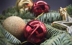 17307   Christmas decorations
