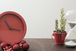 17275   Christmas countdown wit festive red clock