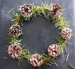 17285   Aromatic herbal rosemary Christmas wreath