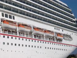 371-cruise_ship_6097.jpg