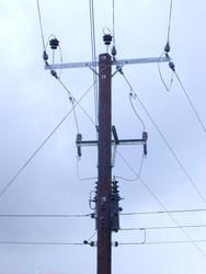 212-pole_mounted_transformerP4495.jpg