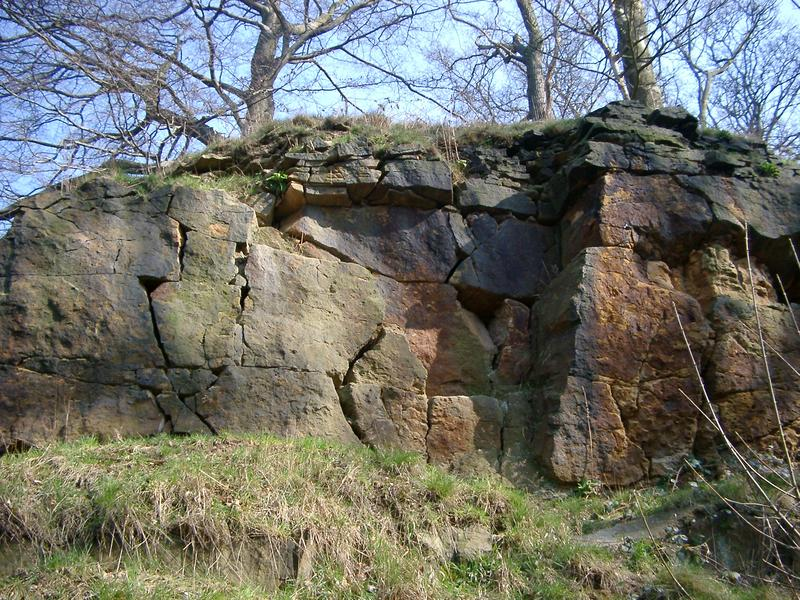 a rock face in the nottinghamshire countryside