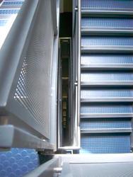 200-staircase_0381.jpg