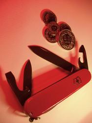 363-swiss_army_knife_coins_2115.jpg