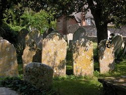 1949-England_Bosham_churchyard_gravestones_2.jpg